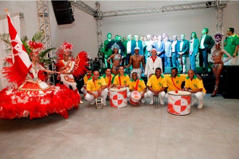 contratar-escola-de-samba